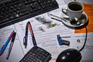 Schreibtisch richtig aufräumen - Tipps | Blog ...