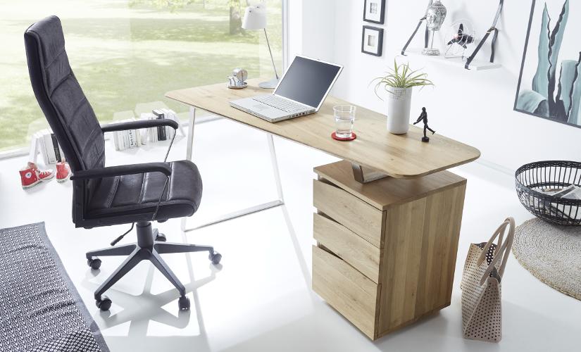 Schreibtische und Sekretäre