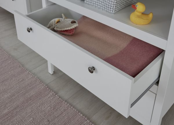 Babyzimmer Ole in weiß komplett Set 2-teilig mit Wickelkommode und Babybett