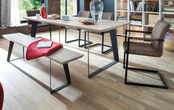 Esstisch Janek in Eiche gekälkt massiv Tisch mit Metallgestell in Antiklook 220 x 100 cm Kufentisch