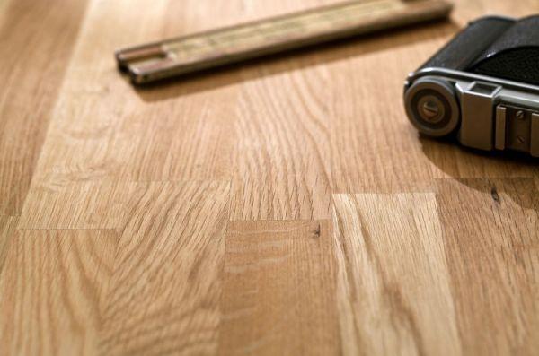 Couchtisch Messina in Asteiche massiv geölt / gewachst Wohnzimmertisch mit Schubkasten und Ablage 110 x 70 cm