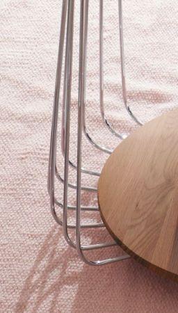 Couchtisch Vilnius in Asteiche / Eiche massiv geölt und Metallgestell Wohnzimmertisch mit Ablage rund 50 cm Durchmesser
