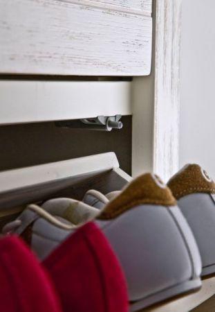 Schuhschrank Gomera in Akazie massiv Struktur weiß lackiert Landhaus Garderobe 125 x 110 cm Schuhkipper