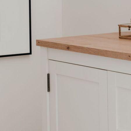 Kommode Bergen in weiß und Artisan Eiche Landhaus Anrichte 80 x 90 cm Sideboard