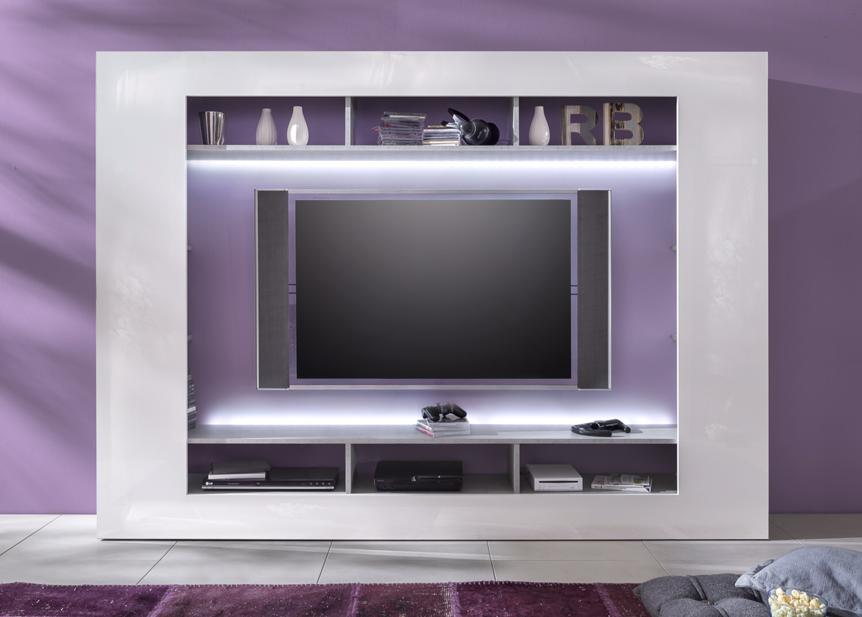 mediawand speed wei hochglanz industriebeton. Black Bedroom Furniture Sets. Home Design Ideas