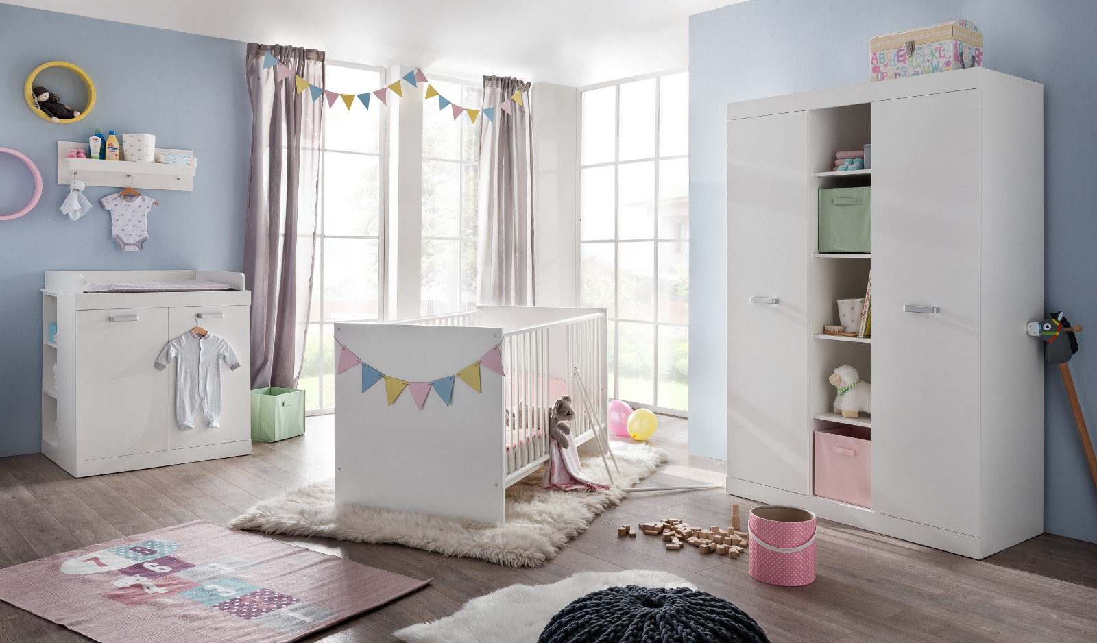 wandregal babyzimmer trendy wichtige mbelstcke die in jedes gehren with wandregal babyzimmer. Black Bedroom Furniture Sets. Home Design Ideas
