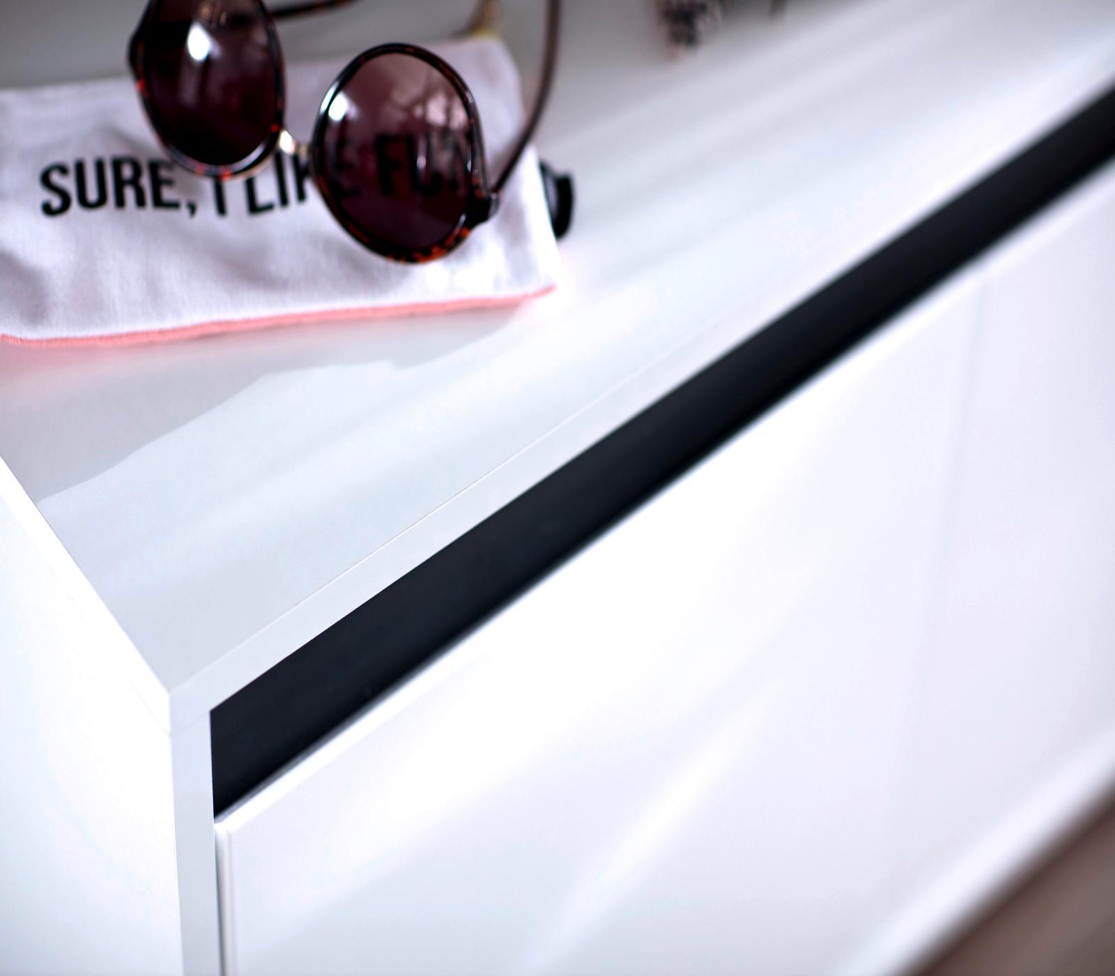 Sitzbank garderobe sol lack hochglanz wei und grau for Garderobe 80 x 200