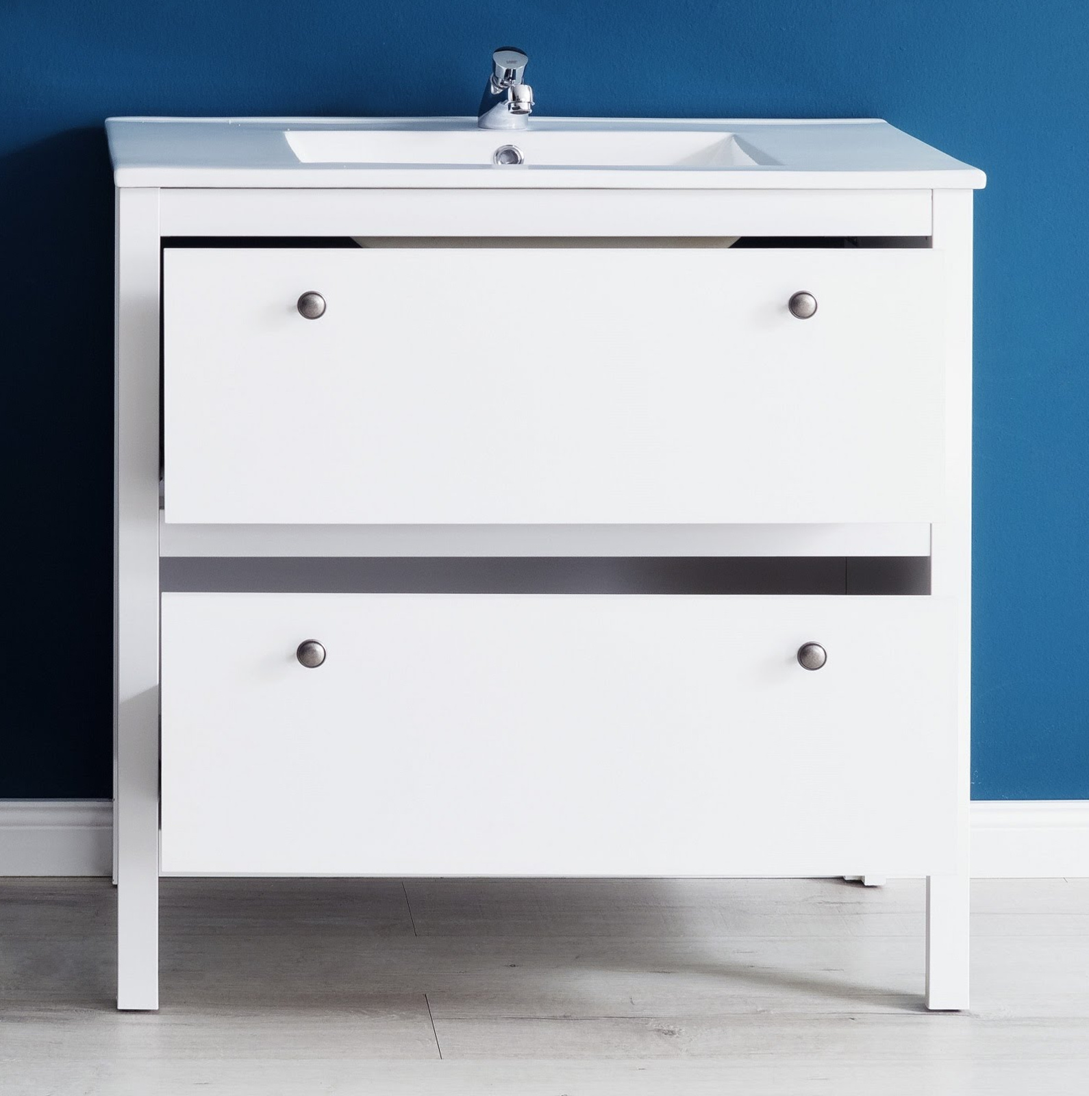 badm bel set ole wei 3 teilig inkl waschbecken. Black Bedroom Furniture Sets. Home Design Ideas