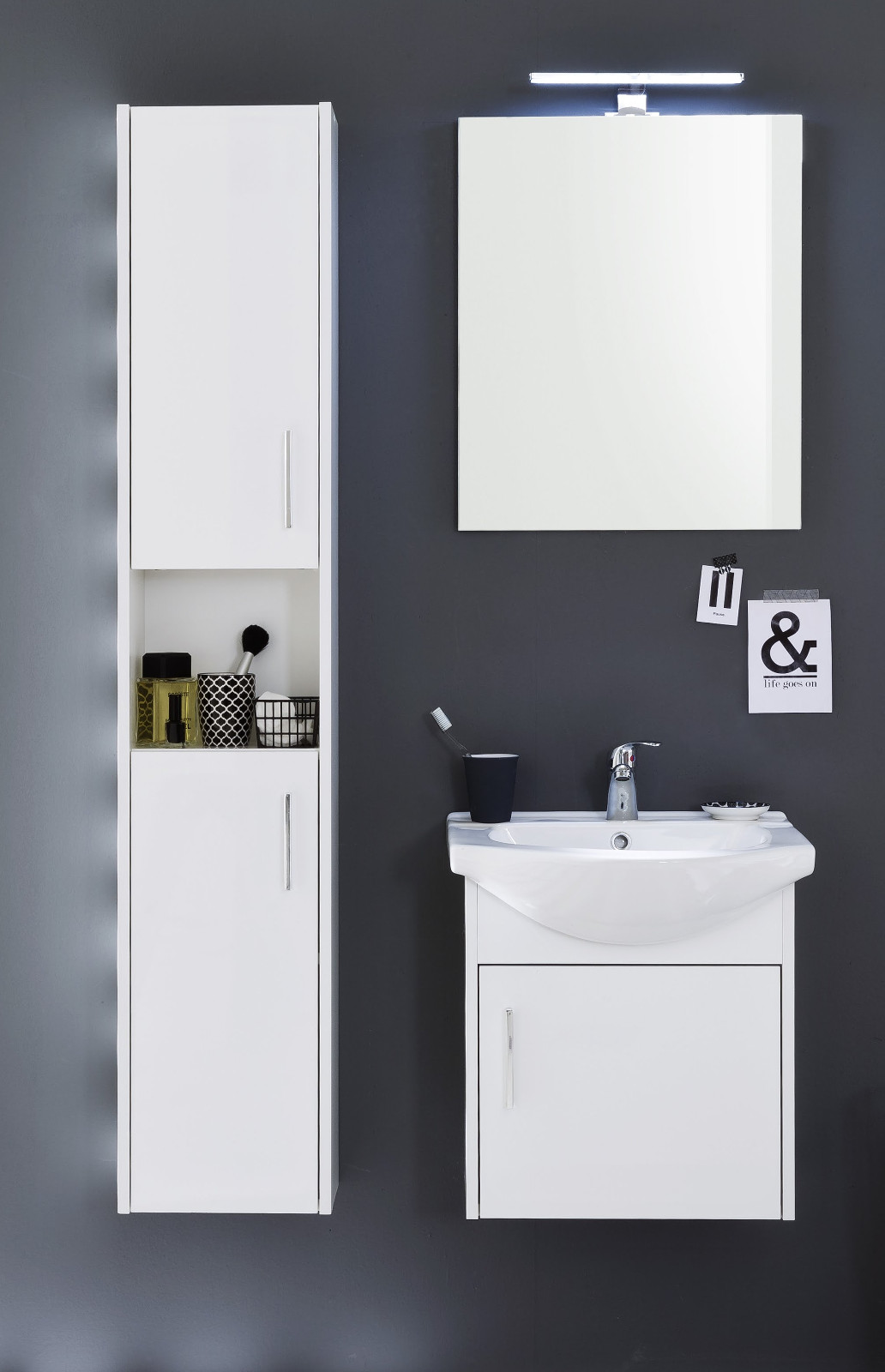 badspiegel jersey in wei optional led ansatzleuchte. Black Bedroom Furniture Sets. Home Design Ideas