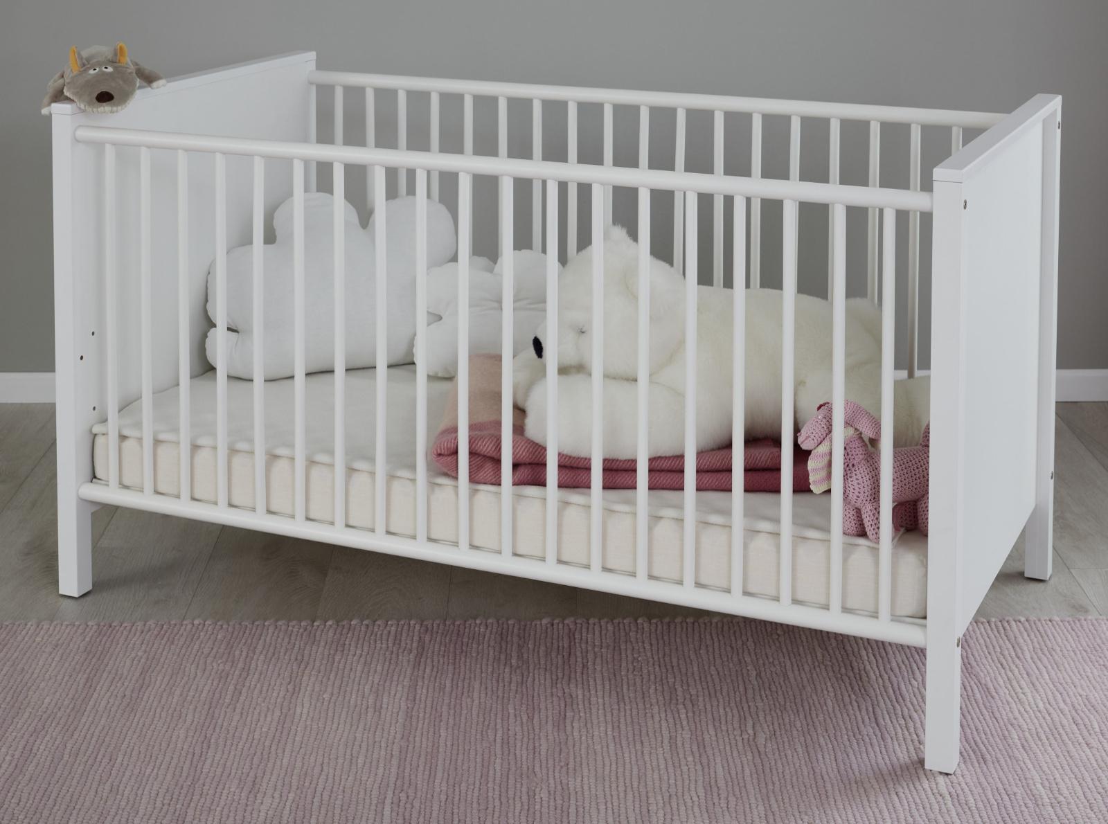 Babyzimmer Babybett Ole In Weiss Gitterbett Mit Schlupfsprossen Und Lattenrost Liegeflache 70 X 140 Cm