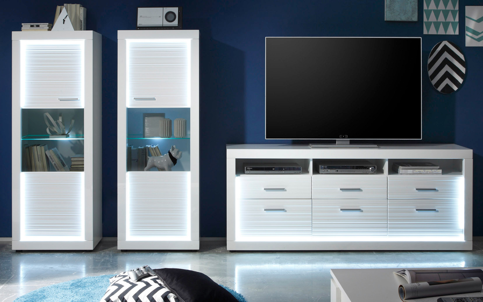 wohnwand wei hochglanz rillenoptik mit led. Black Bedroom Furniture Sets. Home Design Ideas