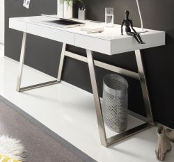 Schreibtisch Aspen in matt weiß lackiert und Edelstahl mit Schubladen für Homeoffice und Büro 140 x 60 cm