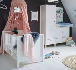 Babyzimmer komplett Set 2 Ole in weiß Landhaus Kleiderschrank mit integrierter Wickelkommode und Babybett